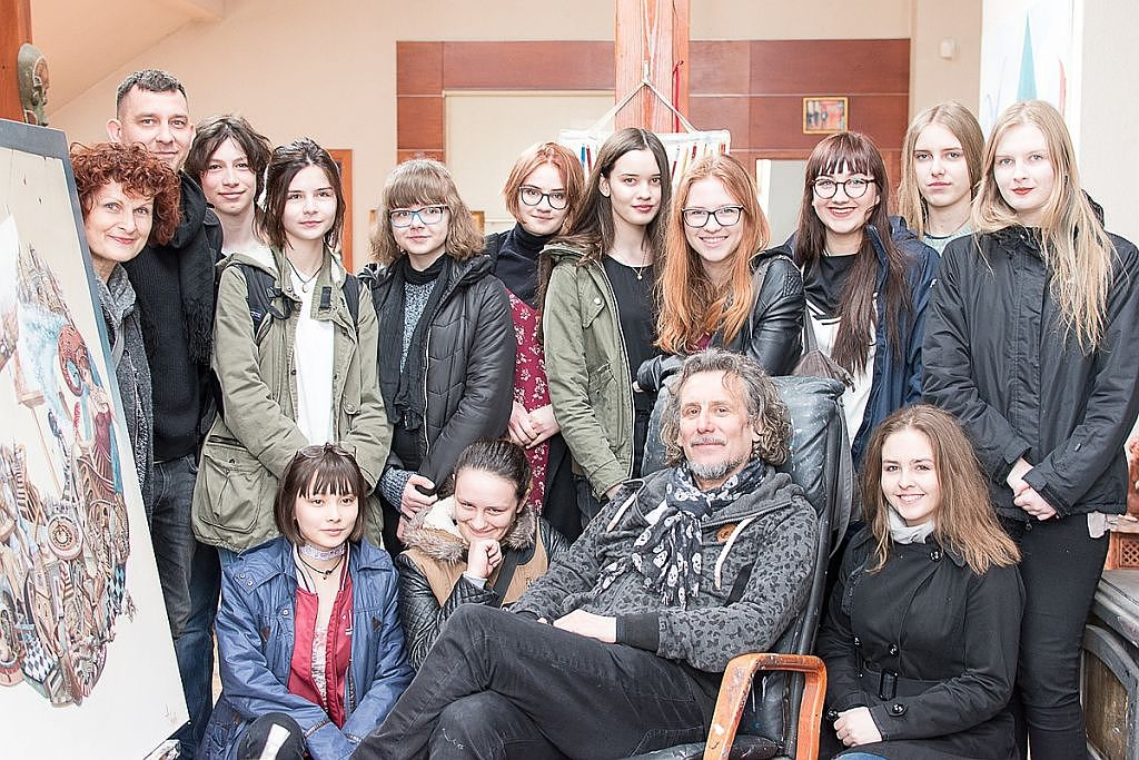 Niezwykłe spotkanie młodzieży z radomskiego Plastyka z mistrzem Tomaszem Sętowskim